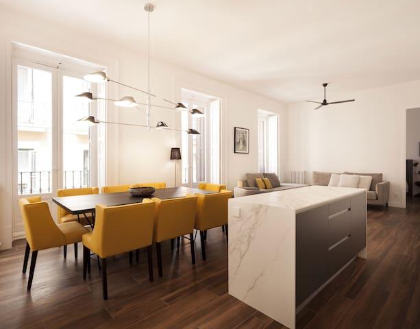 Luxury and renewed apartment in Malasaña