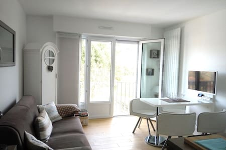 Studio 2/4 people 150 m beach with private parking - Saint-Malo - Daire