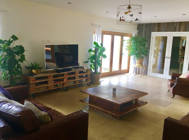 6 Bed luxury home. Champions league - Dinas Powys - Casa