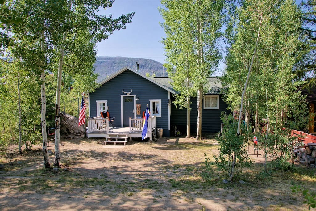 Renovated and updated cabin in downtown grand lake for Grand lake cabins