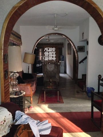 28 Jaiyeola Ajatta St Ajao Estate, - Oshodi-Isolo - Hus