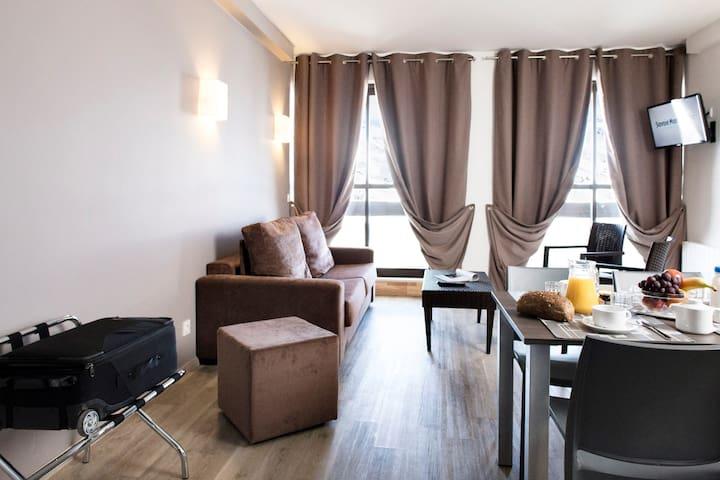 Appartement Avec Balcon Dans Un Des Plus Grands Domaines Skiable au Monde!