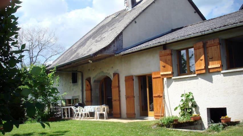 Maison entre Annecy et Aix les Bains - Vallières - Haus