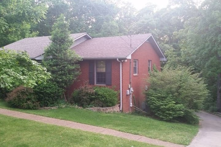 *Quiet Wooded +30 mins to Nashville 3BR 2BA - Pegram - Maison