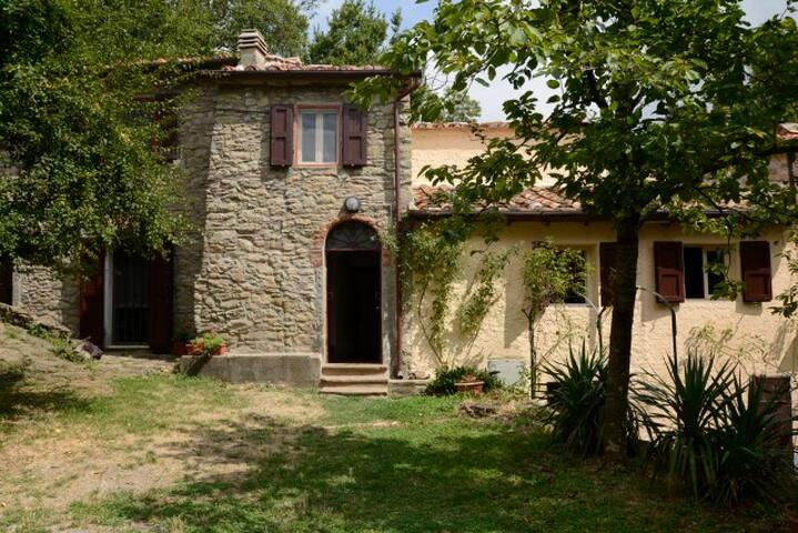 La Rocchina Tuscan Farmhouse - Baggio - House