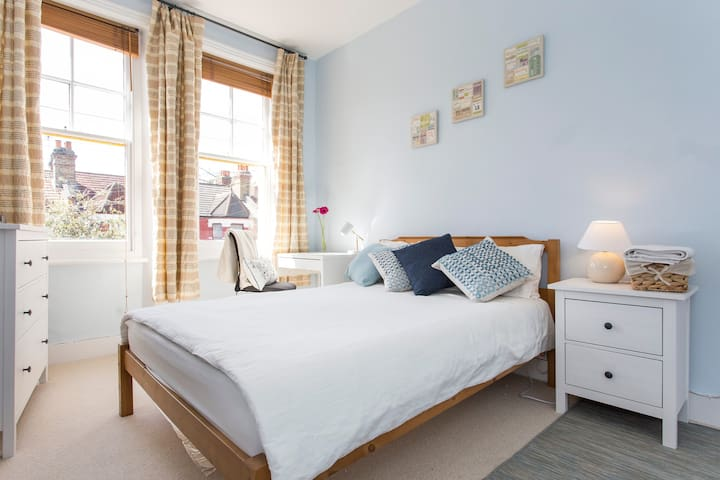 Bed and Breakfast for two - London - Flat