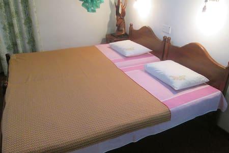 Green Cottage home stay double room - Oda + Kahvaltı
