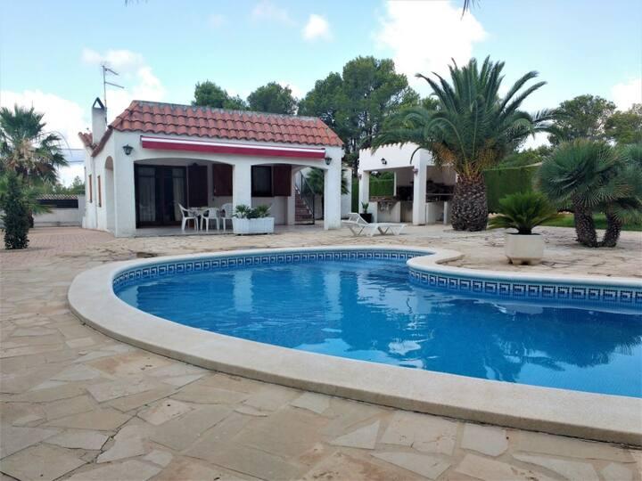 Encantador Chalet 8pers, con jardín y piscina