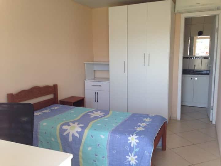 Suites confortáveis com a.c. Residencial Palmares