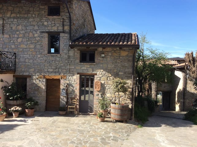 Small Rustic Stone Cottage - Piacenza - Ev