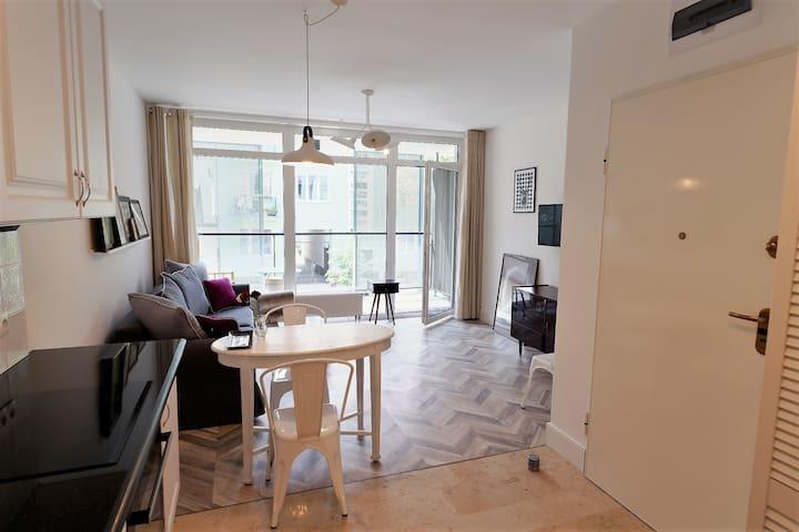 NEW & Stylish Apartment near National Stadium