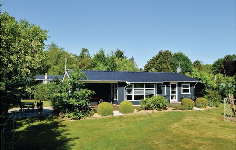 Holiday cottage with 2 bedrooms on 78m² in Farsø