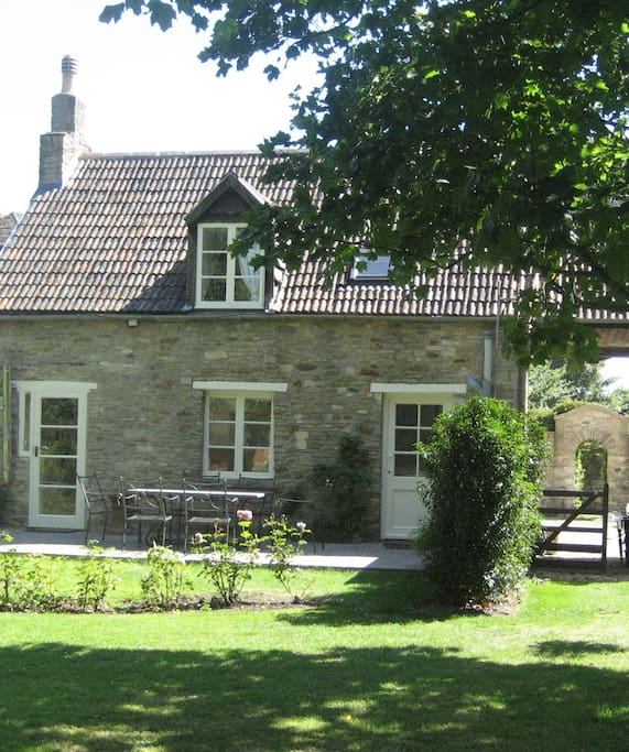 Self-contained cottage