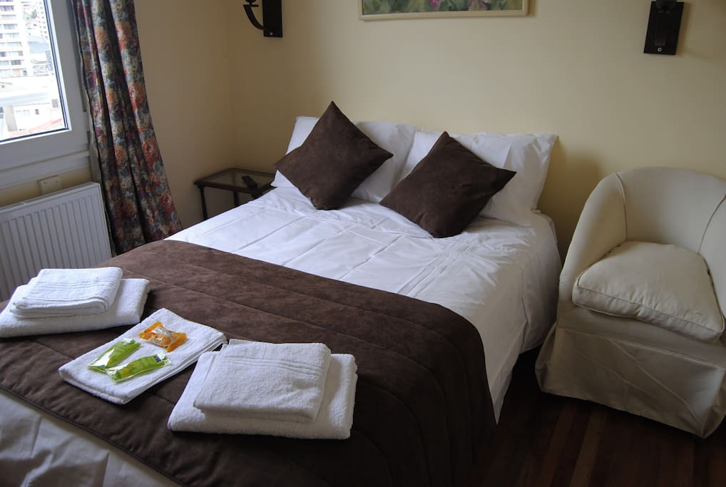 One room with Double bed, ideal for your stay.