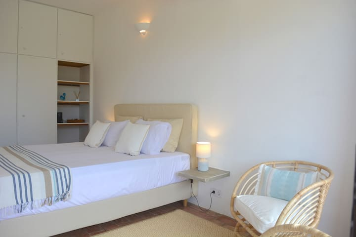 Cosy room 3 with terrace in B&B Quinta Luz do Sol