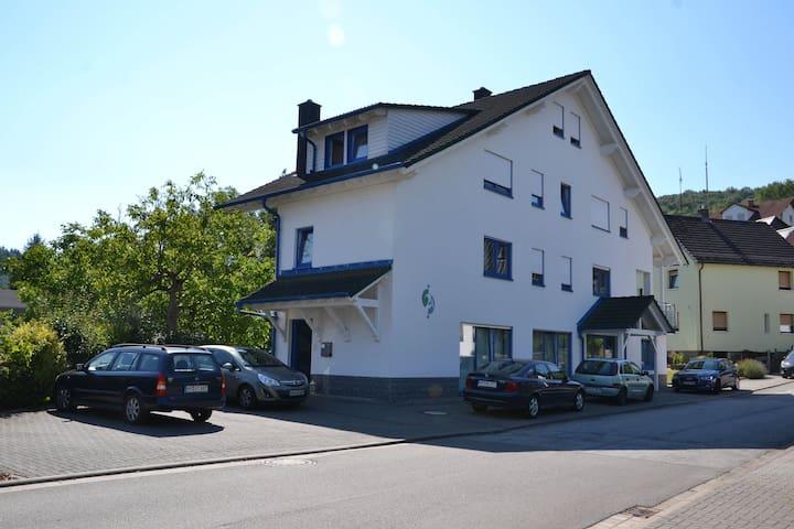 Haus Ziegler (Zimmer 3) - Mörlenbach - Hus