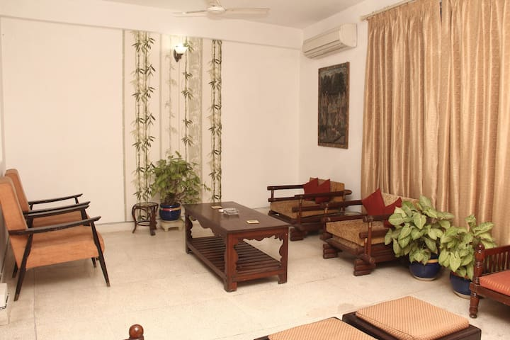 3-Bed Villa with Garden in DLF Cyber City