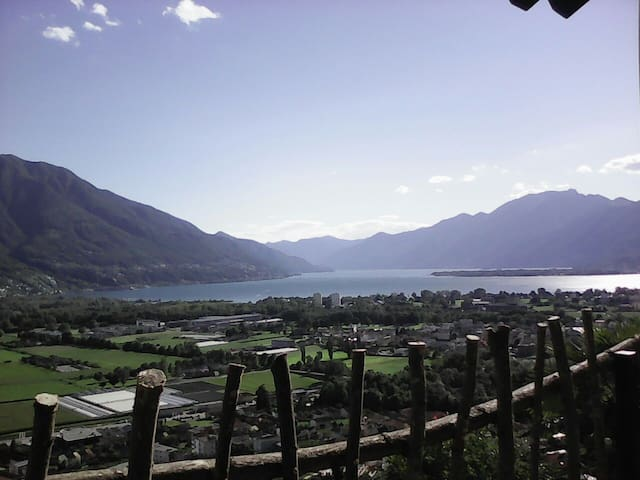 Hiker's & Mountain Biker's Paradise in Ticino - Gordola - House