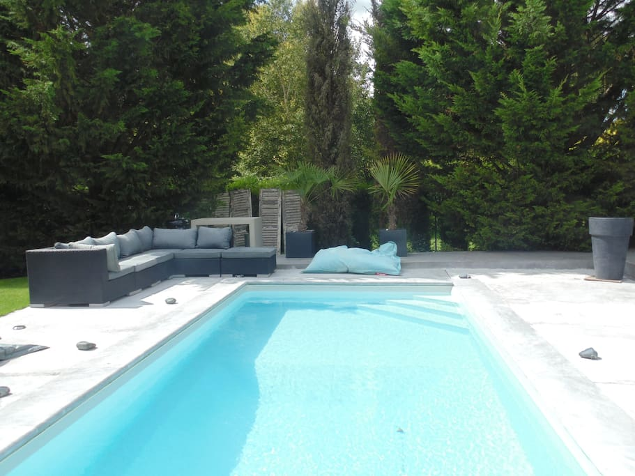 Paris house with swimming pool houses for rent in - Houses to rent in uk with swimming pools ...