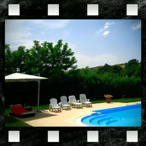 Private room and chalet with swimming pool