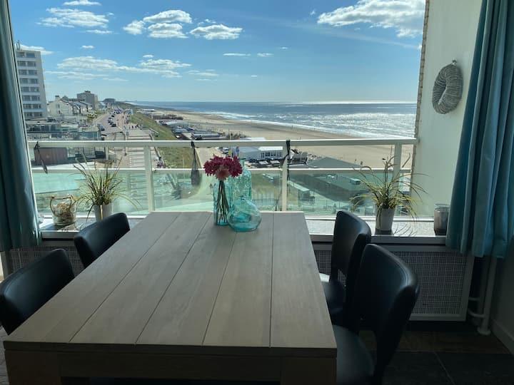 Berrie's Sea View, hoek app. en direct aan strand