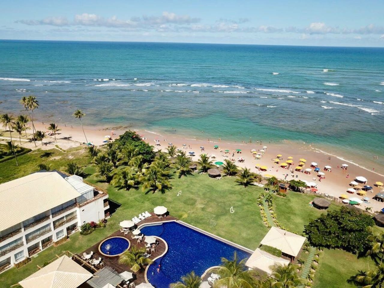 Vista aérea do condominio/praia