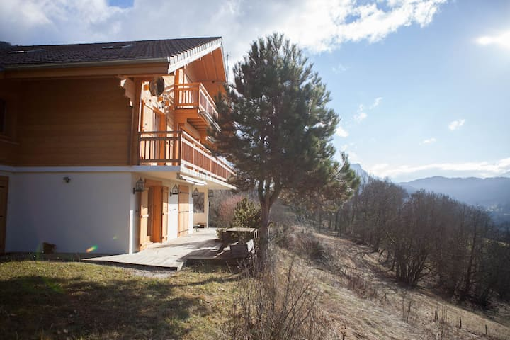 Sunny chalet for winter and summer sports