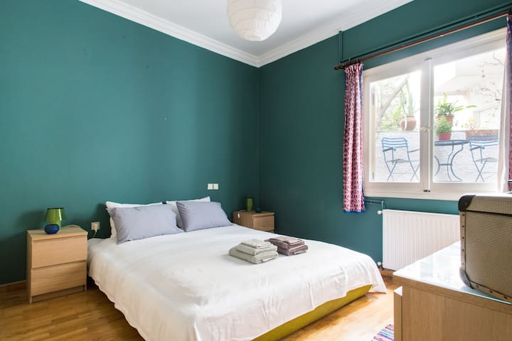 Cosy flat with backyard in the heart of Athens - Athina - House