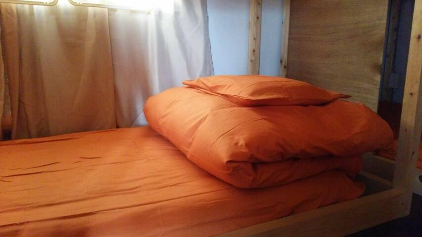女性ドミトリールーム・Female dormitory room