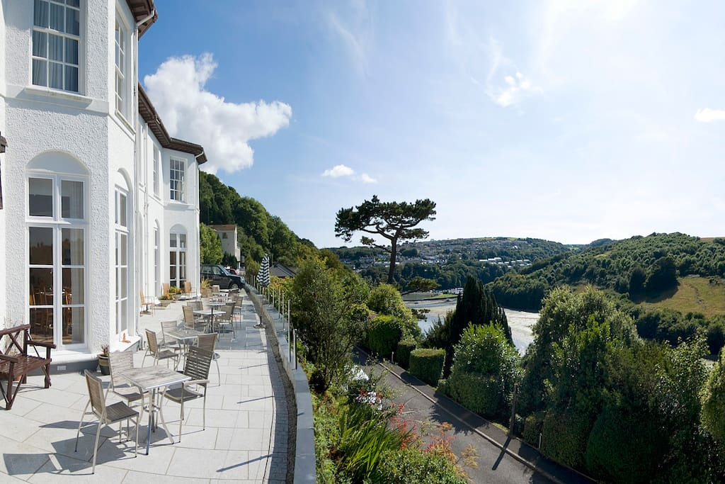 Commonwood manor garden view 2 houses for rent in looe - Hotels in looe cornwall with swimming pool ...