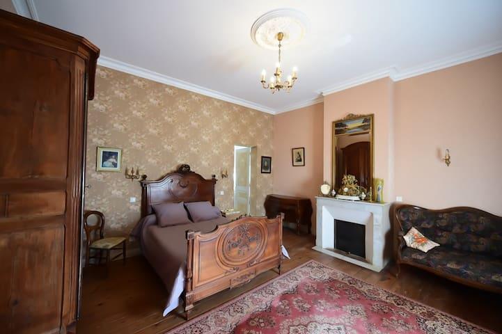 Chambre de style Campagne - Camblanes-et-Meynac - ที่พักพร้อมอาหารเช้า