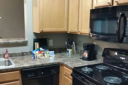 Zionsville Furnished Apt For Rent - Lakás