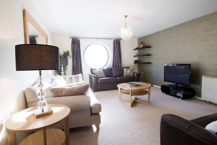 Huge, Sociable Quayside Apartment - Newcastle upon Tyne - Apartment