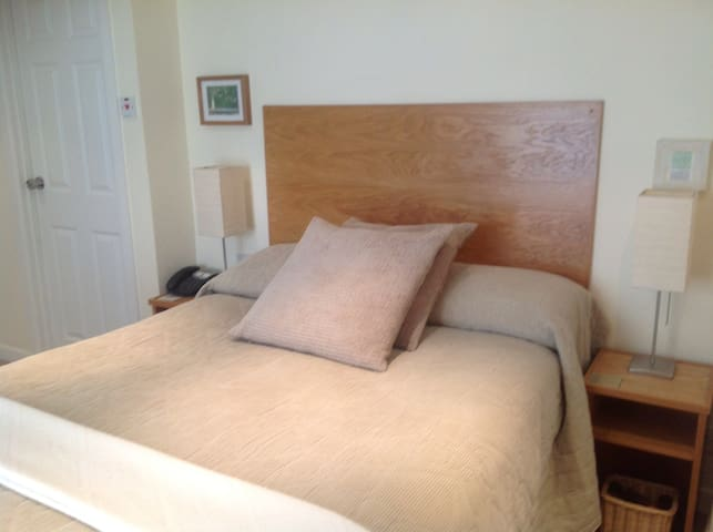 We are an Exquisic B&B in Brecon town - Brecon - Bed & Breakfast