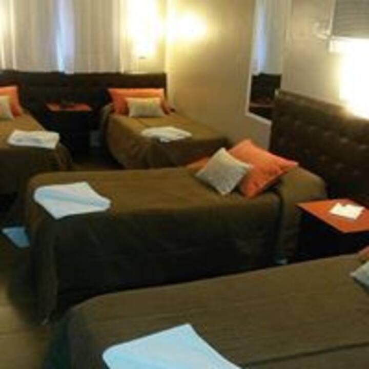 Habitación Cuádruple (4 camas) Centrica.