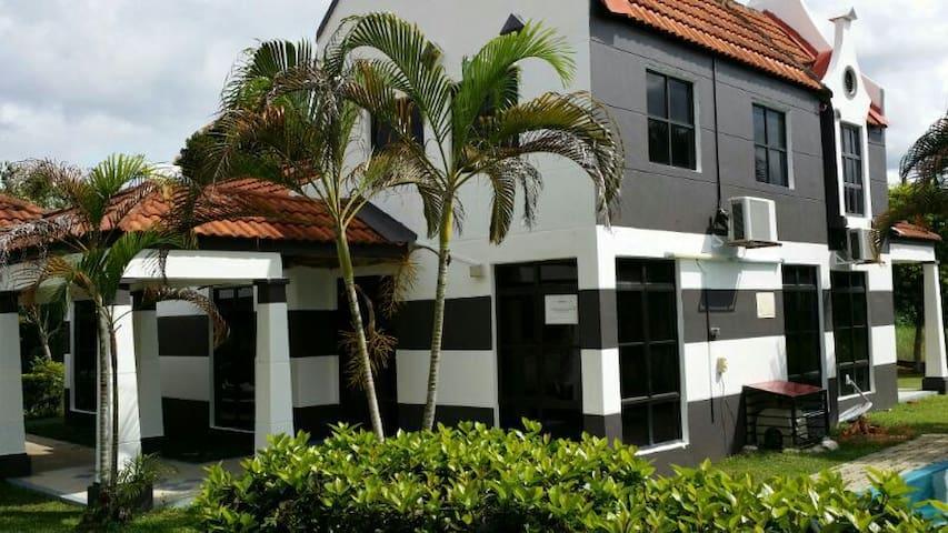 A Famosa Alor Gajah, Melaka + private pool villa - Alor Gajah - Rumah