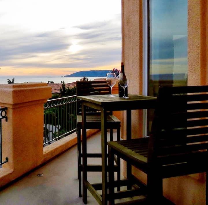 Casa Barcelona Monthly Ocean Views in Shell Beach