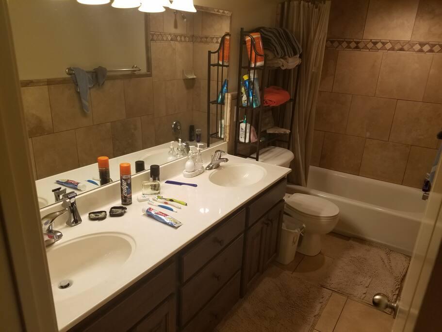 2 sink bathroom