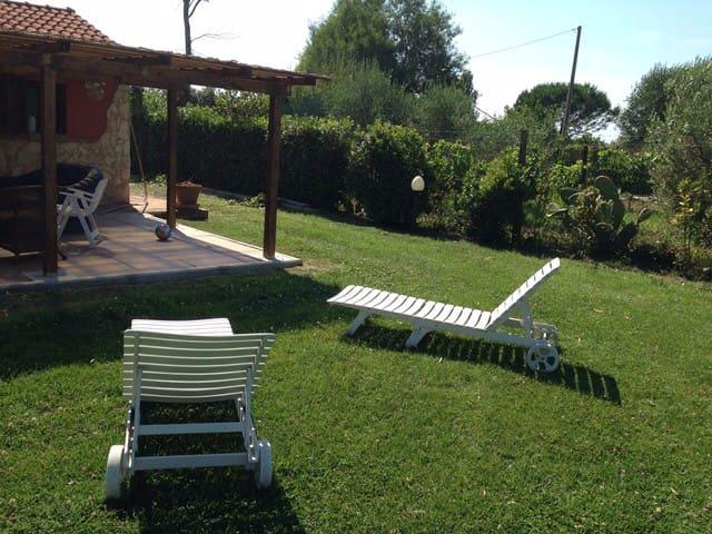 Casetta nella campagna Toscana - Cecina - Huis