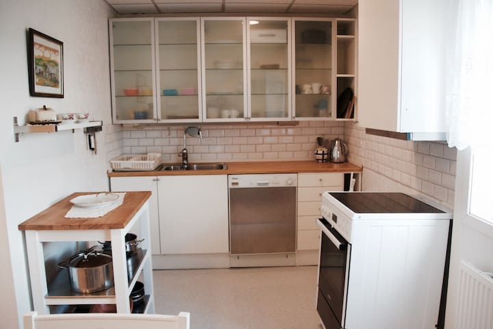 Near Oslo/Airp/Nature 1-5p,Great beds, Wifi,TV, - Rotnes - Apartamento