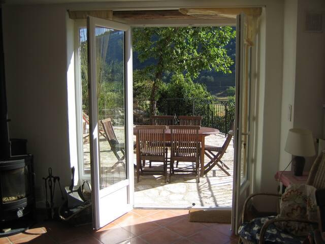 Charme et vue à Dieulefit - Montjoux - House