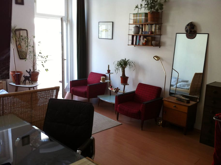 fully furnished room in shared apartment apartments for rent in berlin berlin germany. Black Bedroom Furniture Sets. Home Design Ideas