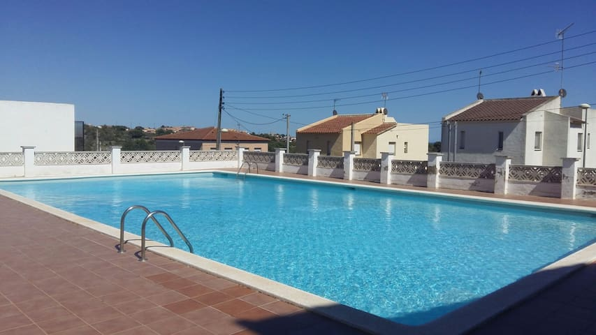 House for pool 160m - Les Morisques - Hus