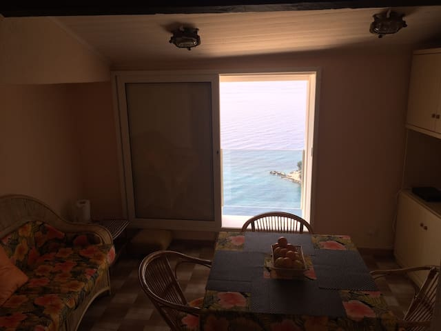 Breathtaking seaview, between Italy - Montecarlo. - Ventimiglia - Apartemen