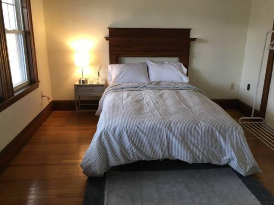 Huge bedroom, lots of light!