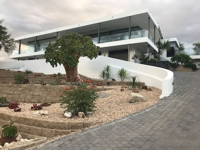 Private room in sought after property   Windhoek