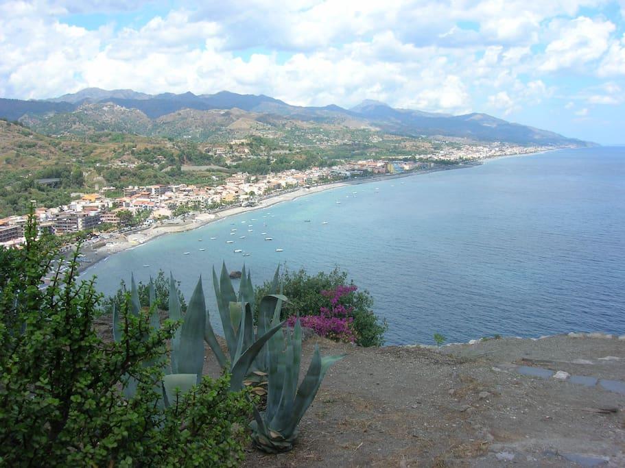 Roccalumera village