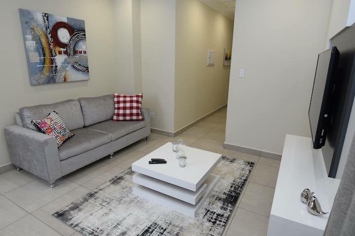 ElRidge LivingA4 2 Bed Apartment 10 min to airport