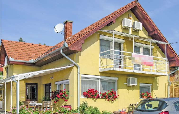 Holiday apartment with 4 bedrooms on 100m² in Balatongyörök