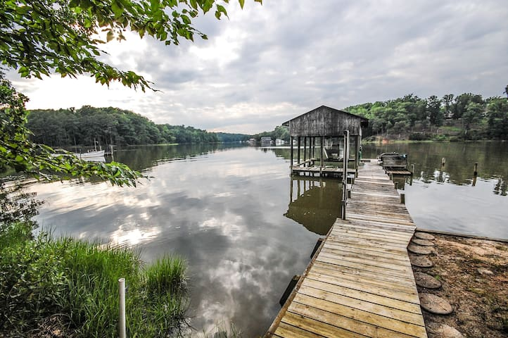Waterfront - Urbanna Creek - Home + Cottage - Saluda